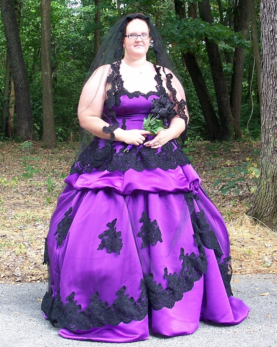 ArtCardBook Wedding Ideas: Plus Size Purple Gothic Wedding Dress