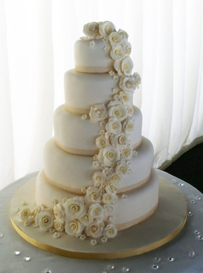 cascading roses wedding cake 5 tier cascade wedding cake artcardbook 12431